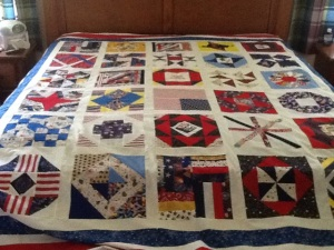 Picture of a quilt with patriotic themes
